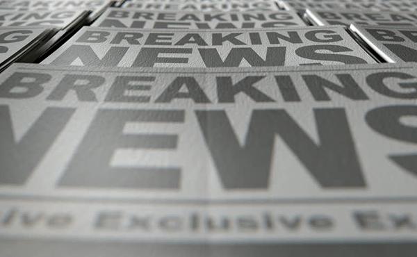 salir en los medios